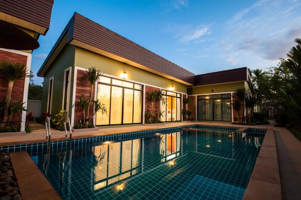 The swimming pool at or near Jinda Resort