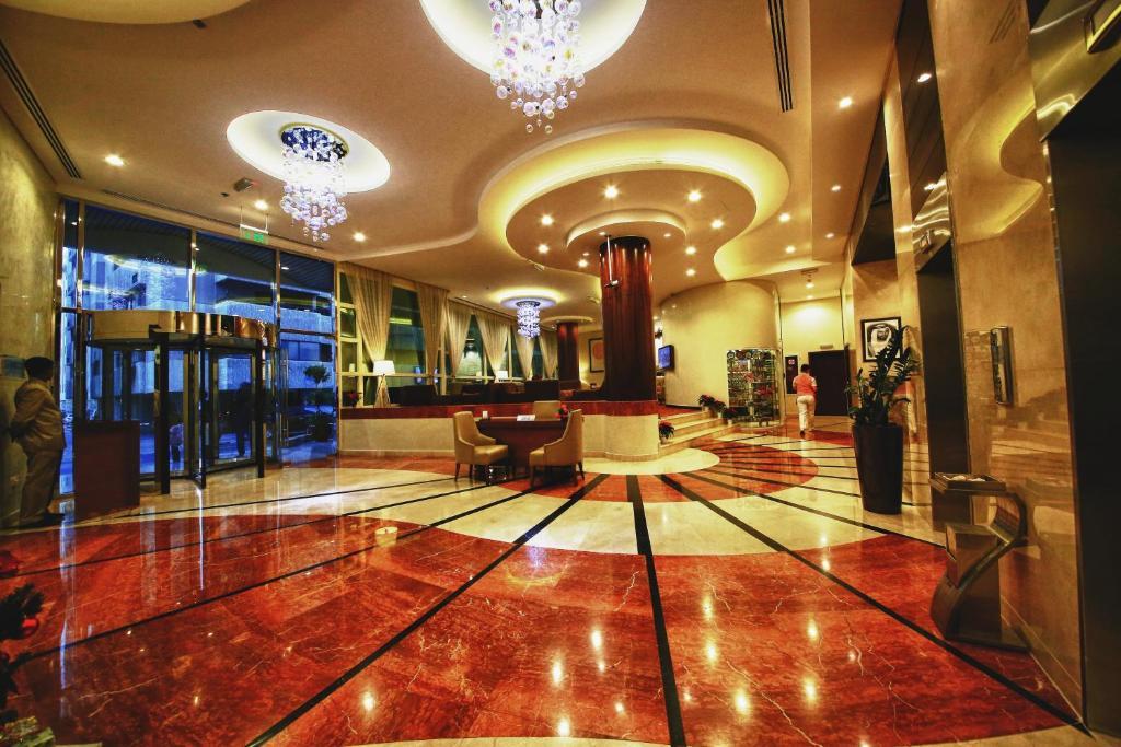 De lobby of receptie bij Lavender Hotel Deira