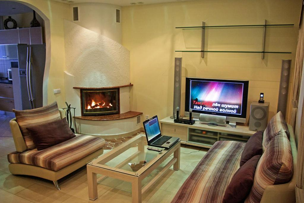 A seating area at From Home to Home B&B
