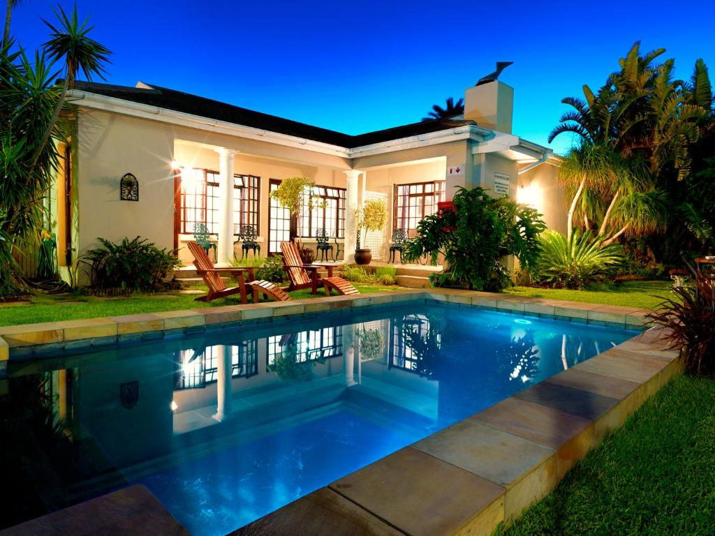 The swimming pool at or near Beachwalk Bed and Breakfast