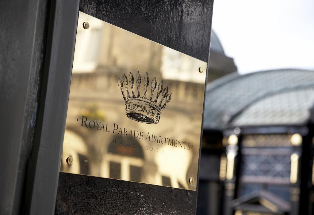 Royal Parade Apartments - Laterooms