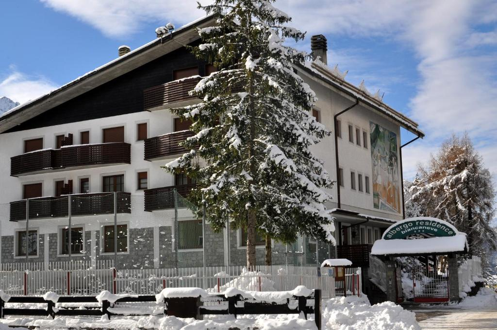 Residence Biancaneve during the winter