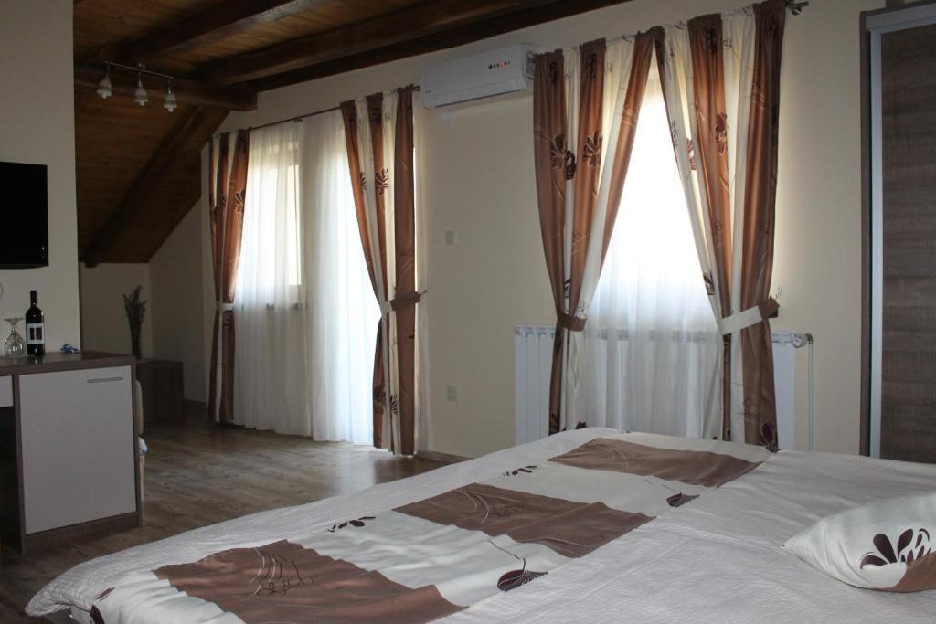 Rooms & Apartment Vinia Bjelovar, Croatia