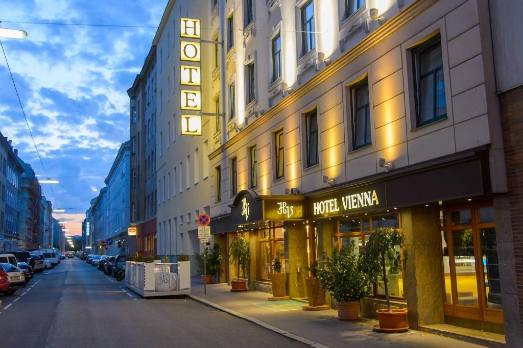 The facade or entrance of Hotel Prater Vienna