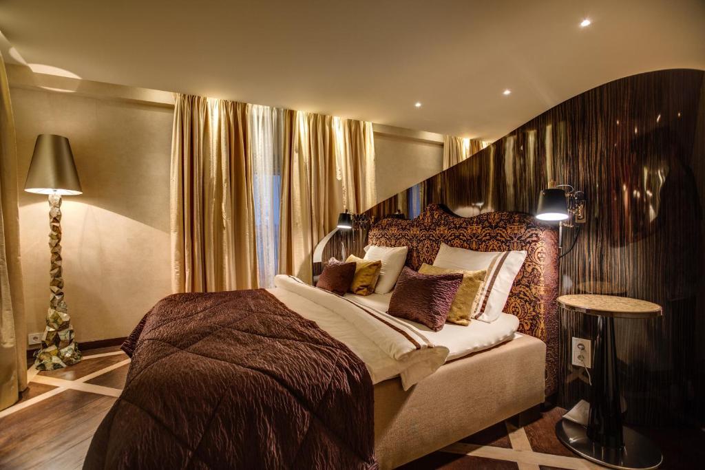 Een bed of bedden in een kamer bij ReeHorst