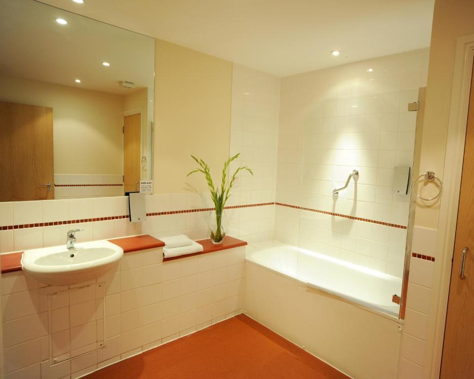 Premier Apartments Bristol Redcliffe - Laterooms