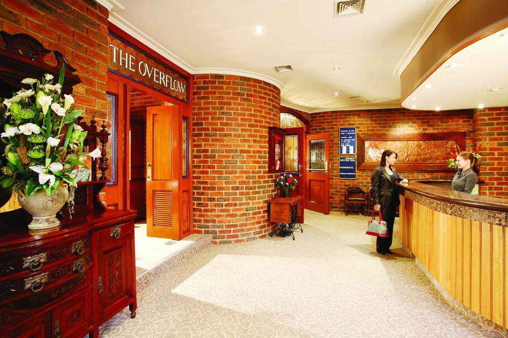 The lobby or reception area at Hotel Bruce County