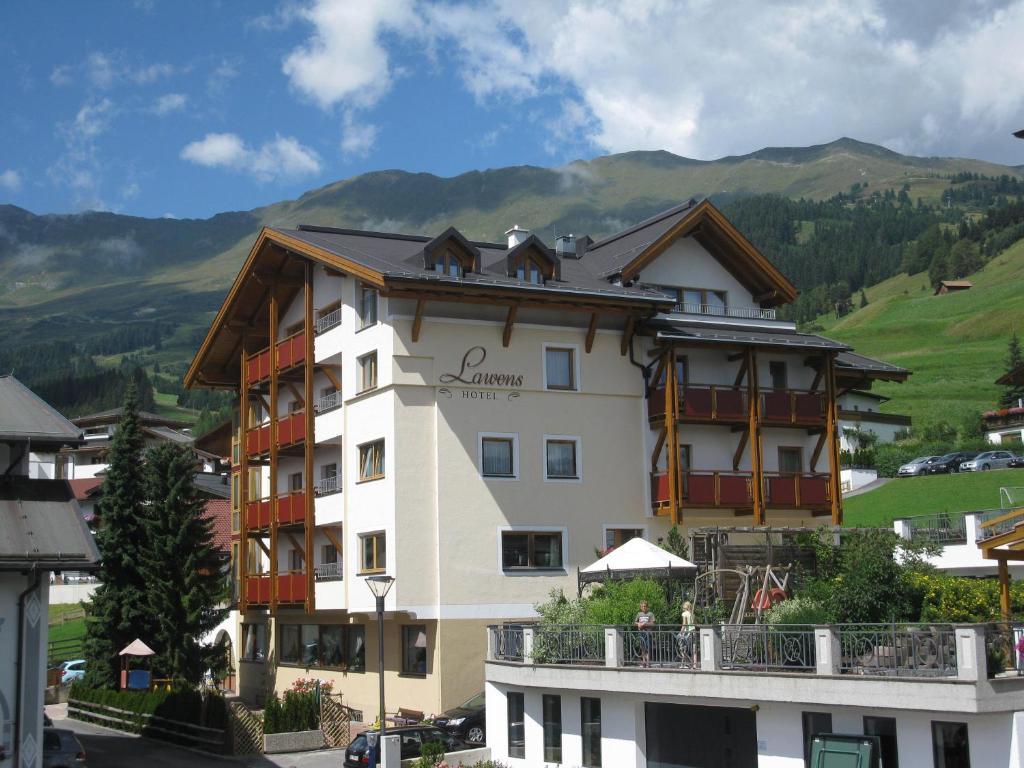Hotel Garni Lawens Serfaus, Austria