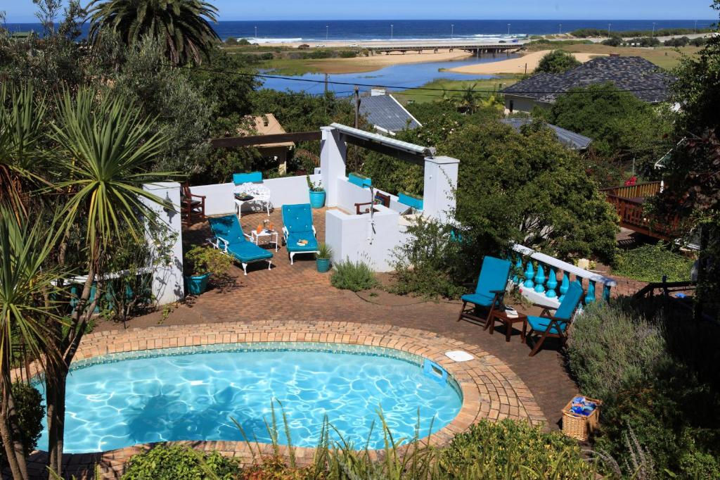 A view of the pool at Mont Fleur B&B or nearby