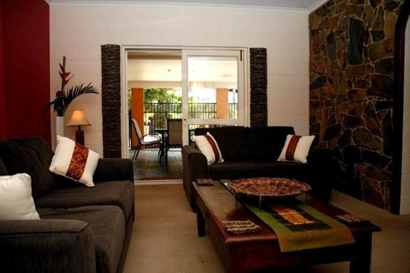 A seating area at Jambala Beach House