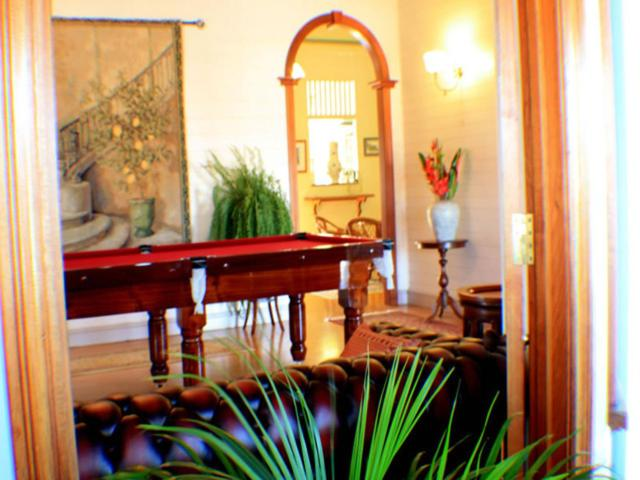 A pool table at Classique Bed & Breakfast