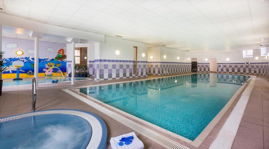 The swimming pool at or near Maldron Hotel Shandon Cork City
