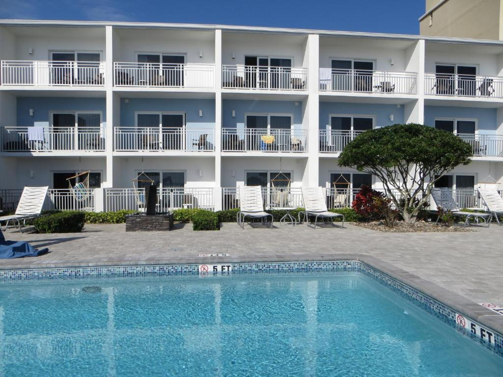 The swimming pool at or near Lotus Boutique Inn and Suites