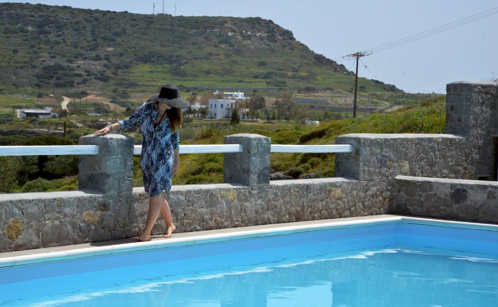 Бассейн в Hotel Glaronissia Rooms & Suites или поблизости