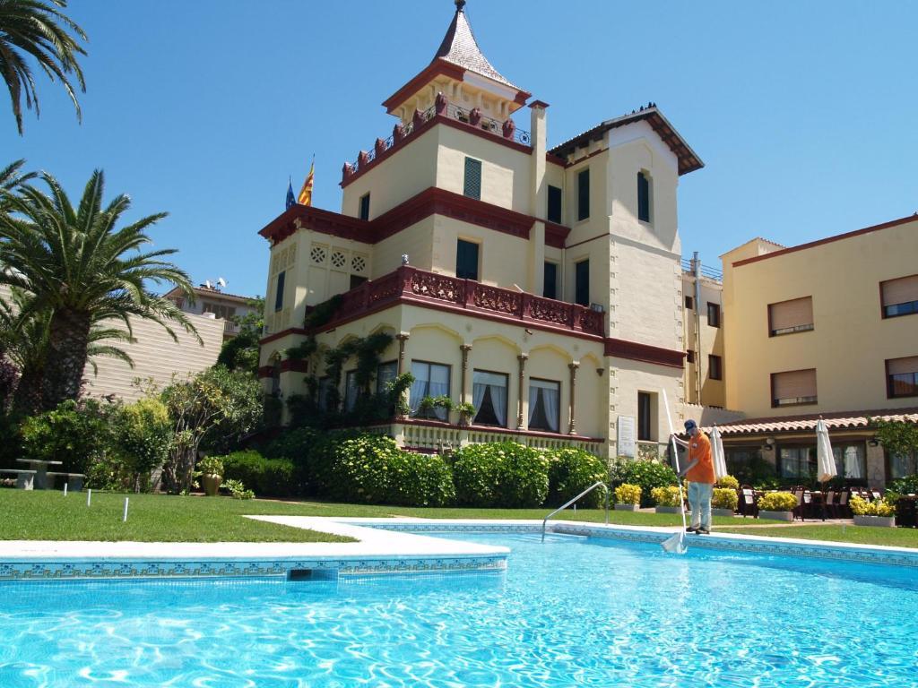 Hotel Hostal del Sol Sant Feliu de Guixols, Spain