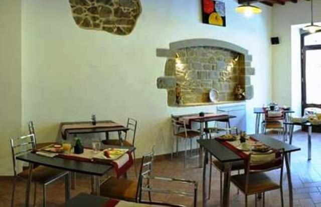 A restaurant or other place to eat at Bed & Breakfast Viziottavo
