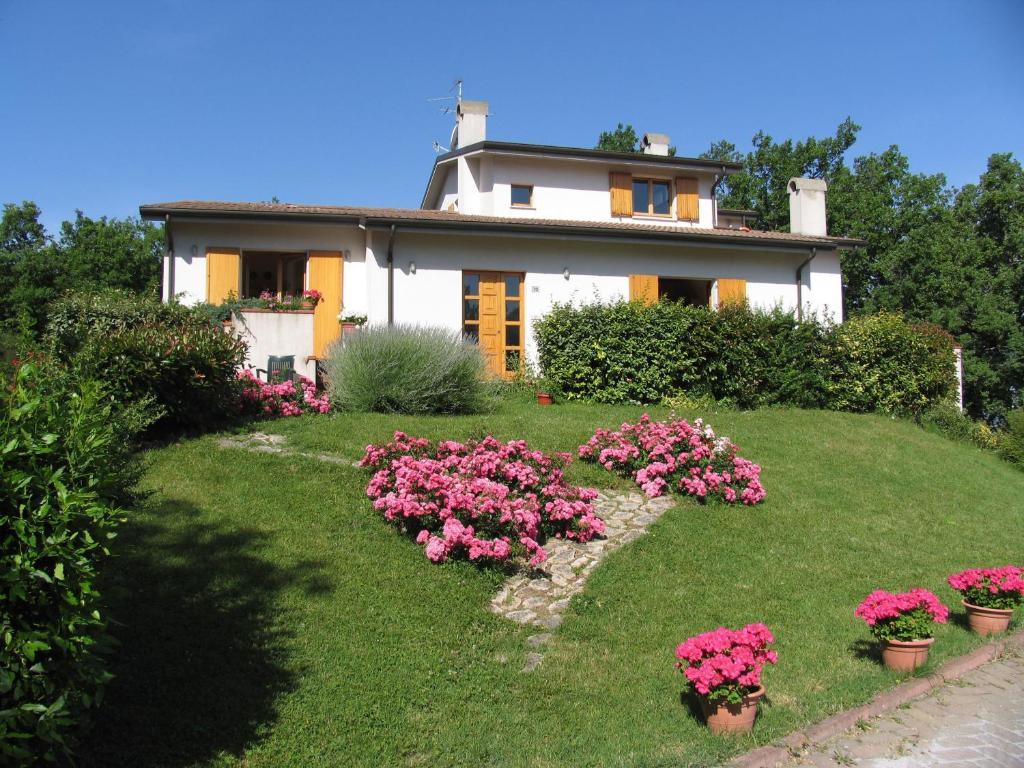 A garden outside La Casa Dei Boschi