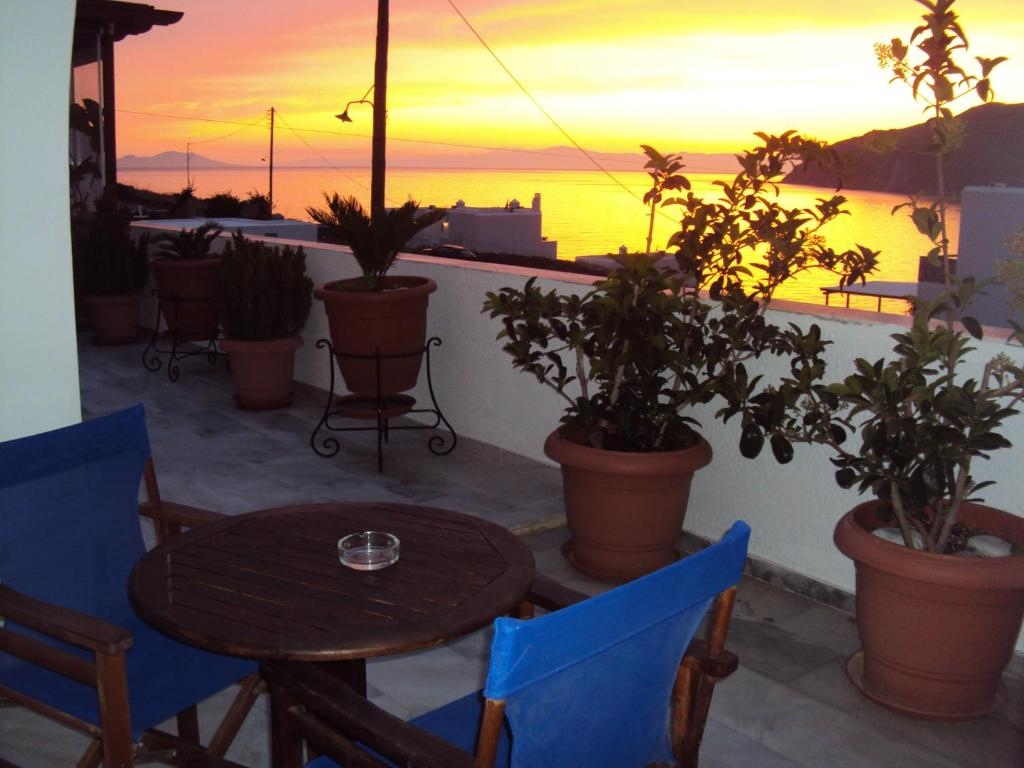 Η ανατολή ή δύση του ηλίου όπως φαίνεται από αυτό το ξενοδοχείο ή από εκεί κοντά