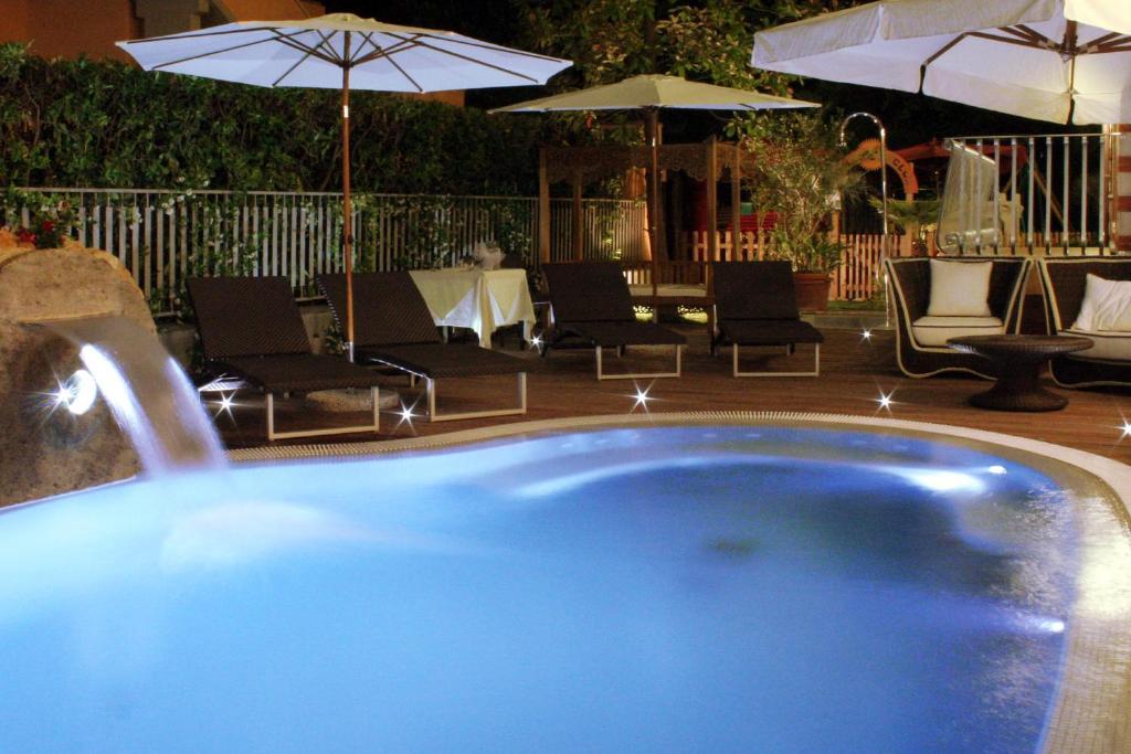 Piscina di Hotel La Pigna o nelle vicinanze