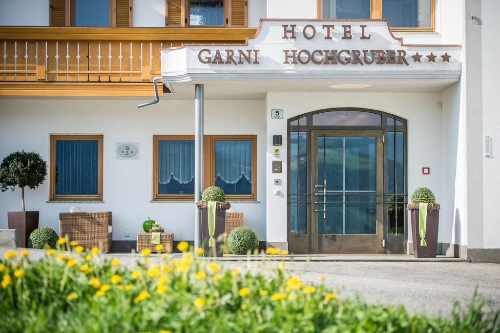Hotel Garni Hochgruber Brunico, Italy
