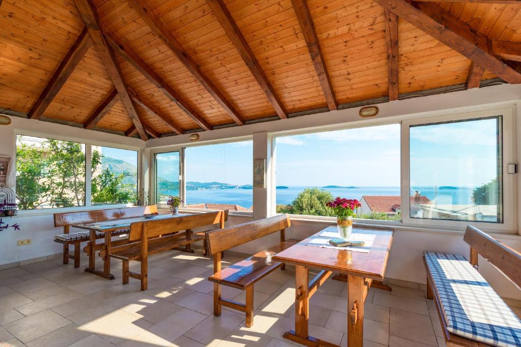Majoituspaikan Villa Adriatic Rooms ravintola tai vastaava paikka