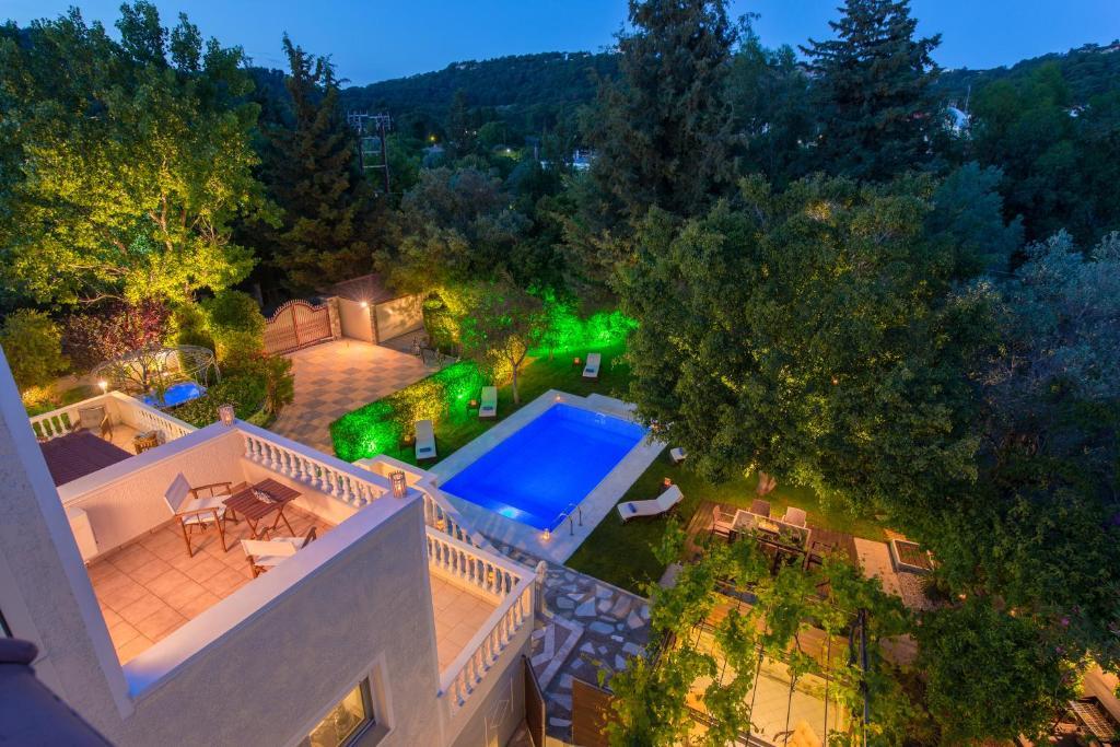 Vue sur la piscine de l'établissement Villa Small Paradise ou sur une piscine à proximité