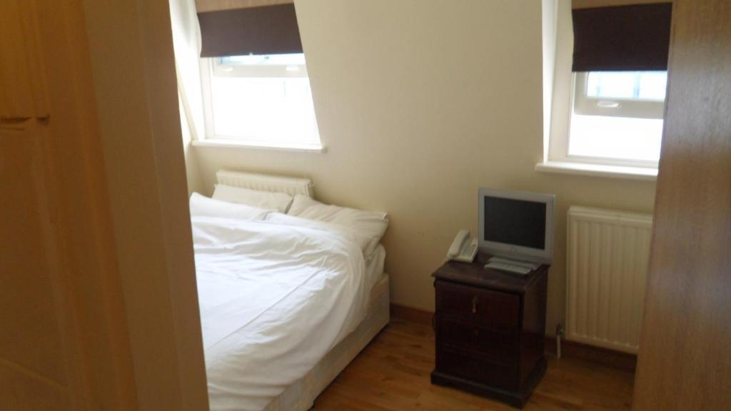 A room at the Boka Hotel.