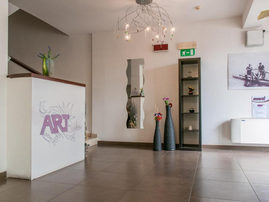 The lobby or reception area at Residence Art