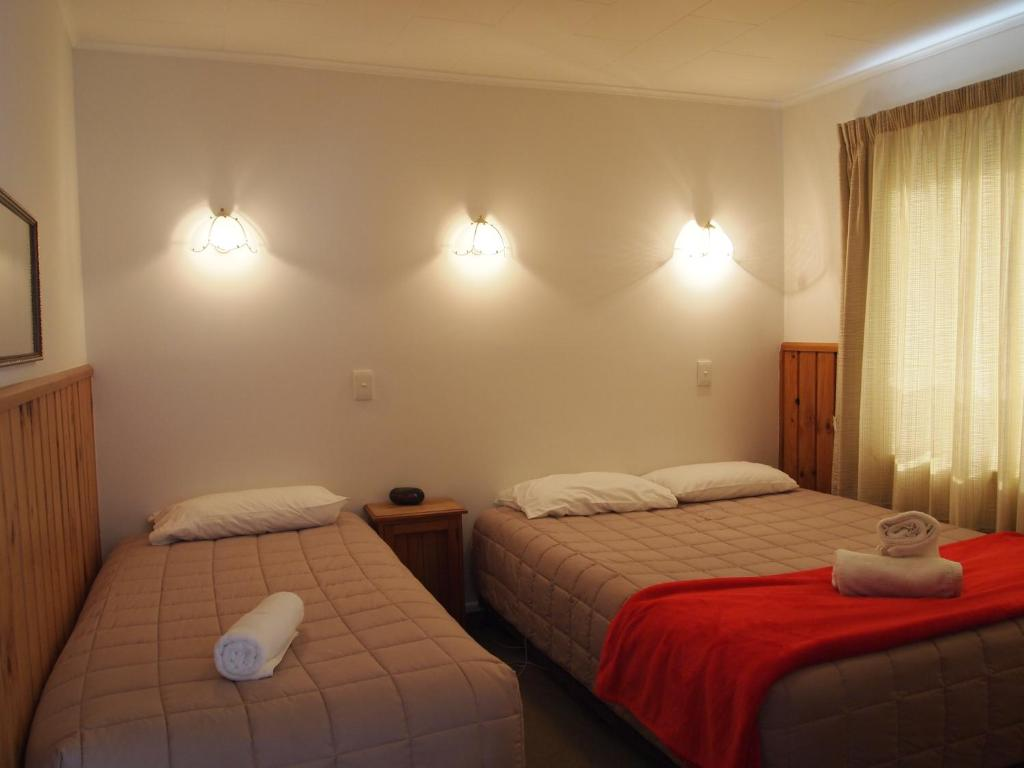 A room at the Airport Lodge Motel.