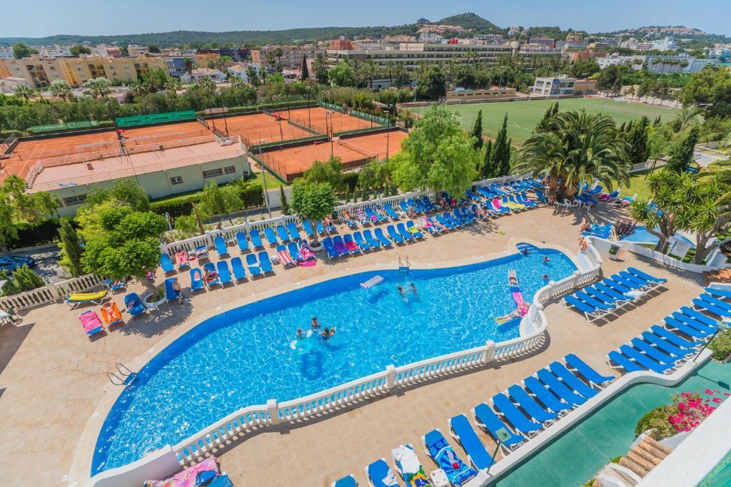 Vista de la piscina de Aparthotel Holiday Center o alrededores