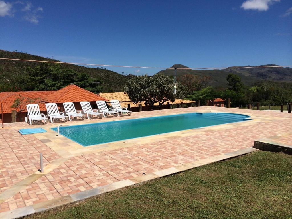 A piscina localizada em Pousada Serra D'água ou nos arredores