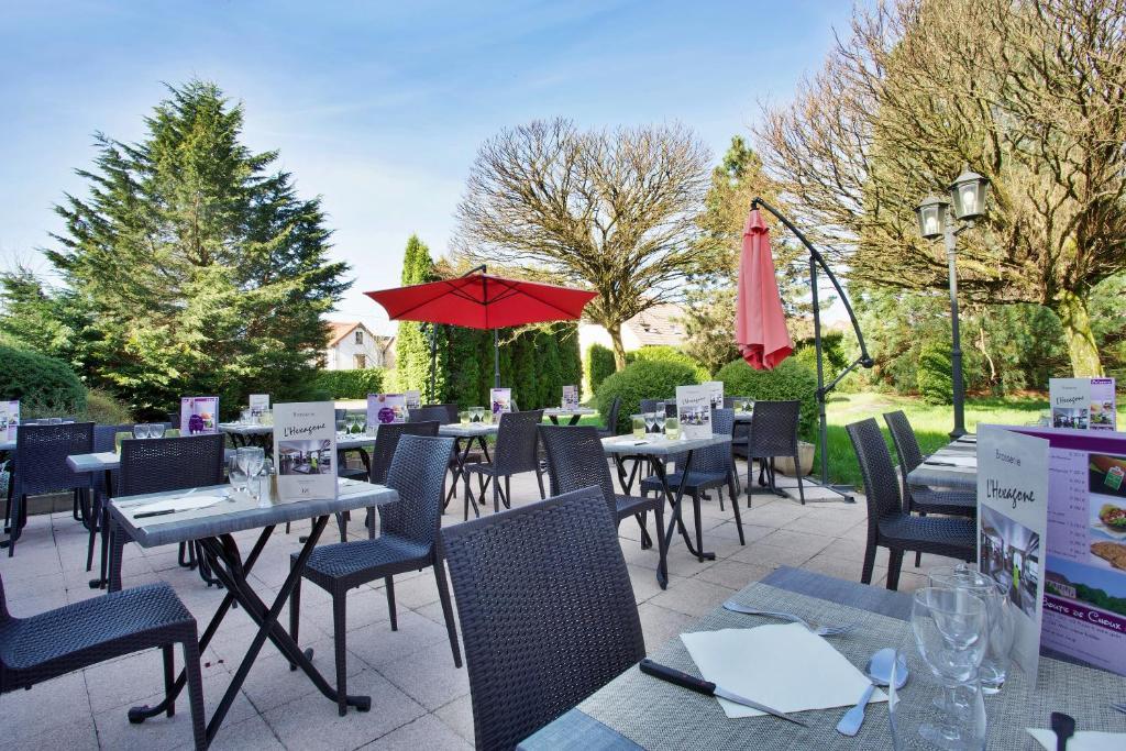 Restaurant ou autre lieu de restauration dans l'établissement Mercure Hexagone Luxeuil