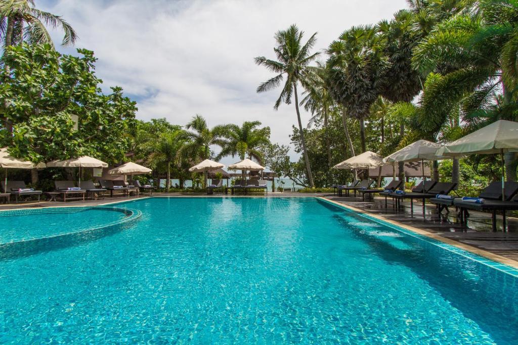 Het zwembad bij of vlak bij Anda Lanta Resort