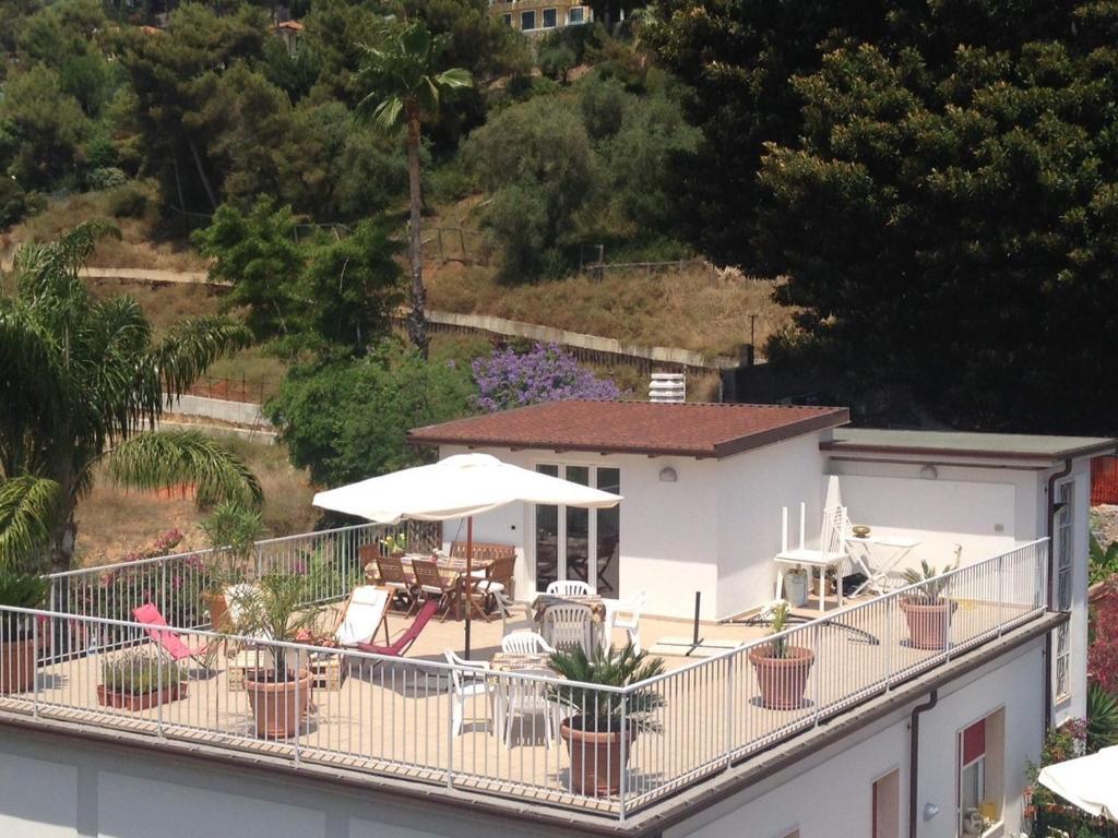 Vista sulla piscina di Il Villino o su una piscina nei dintorni