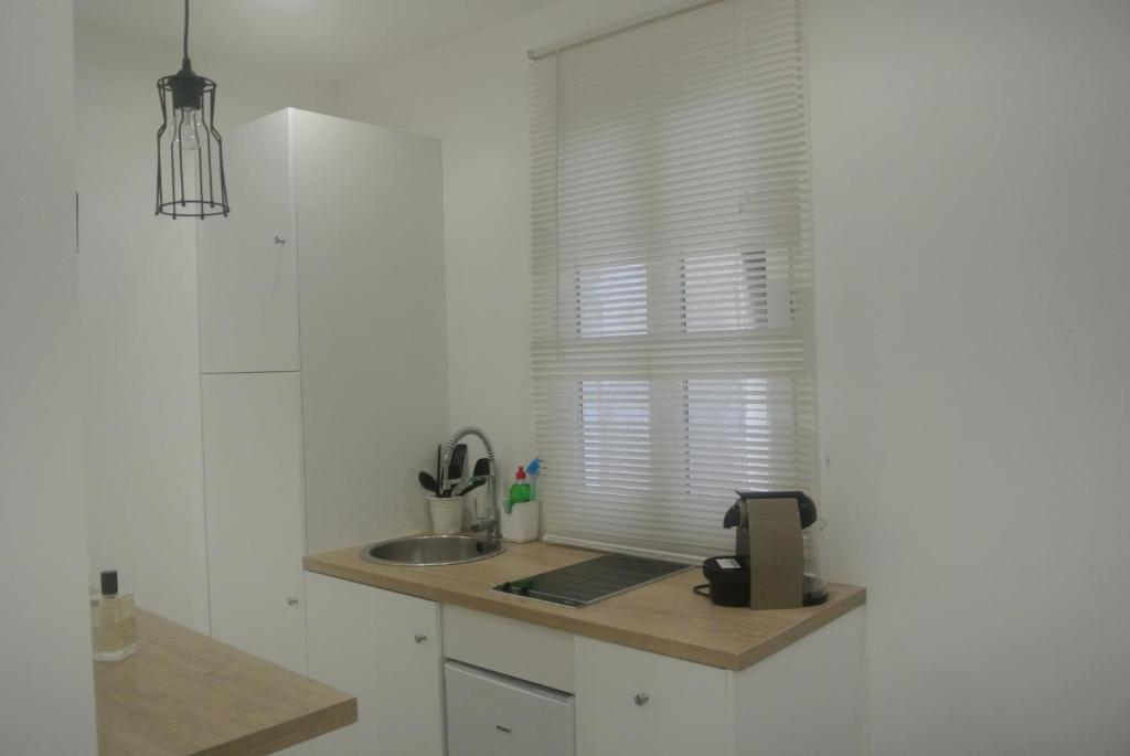 A kitchen or kitchenette at Chabanon