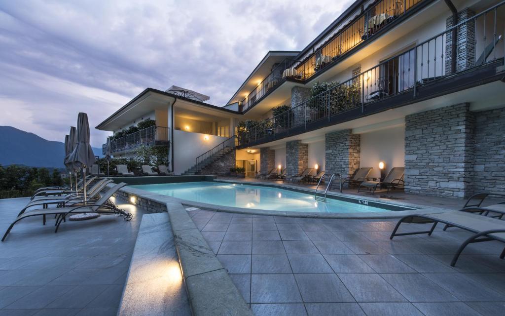The swimming pool at or near Hotel La Perla