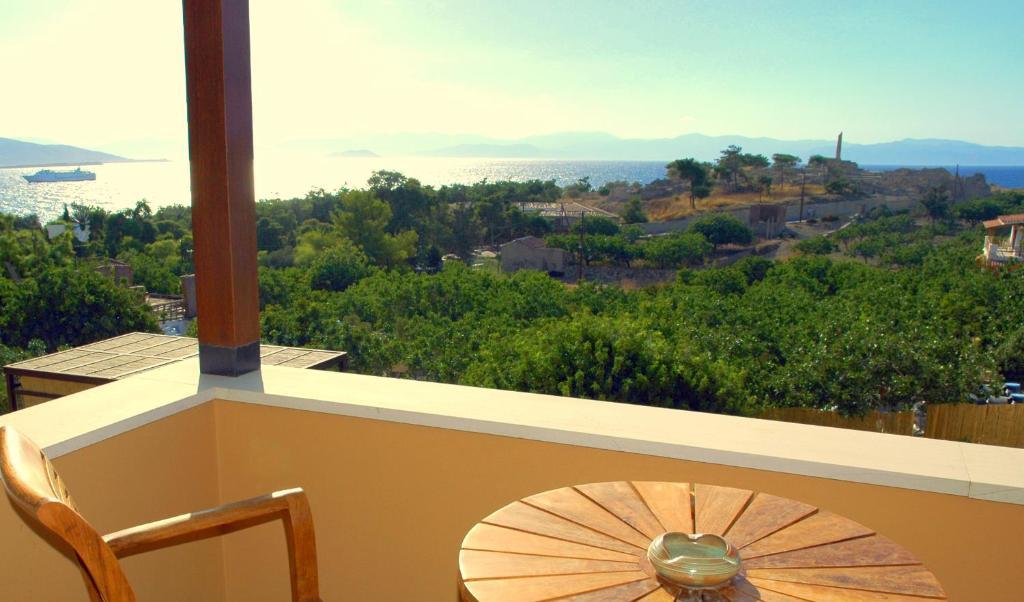 Μπαλκόνι ή βεράντα στο Rastoni Hotel Aegina