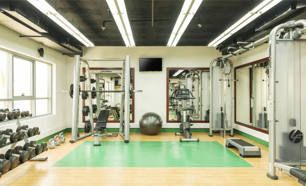 Фитнес-центр и/или тренажеры в Coral Dubai Deira Hotel
