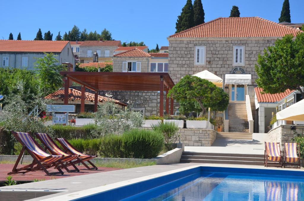 The swimming pool at or near Hotel Borik