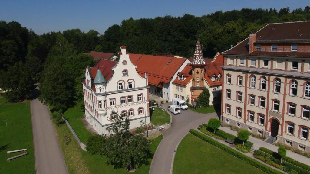 Blick auf Haus San Damiano Kloster aus der Vogelperspektive