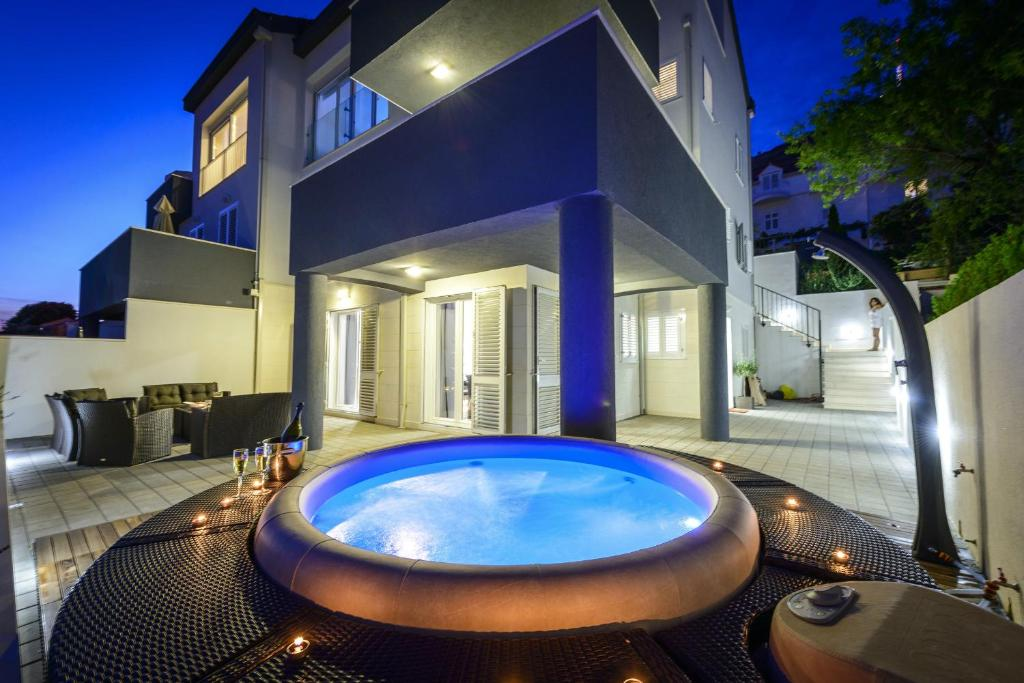 The swimming pool at or near Apartment Allure