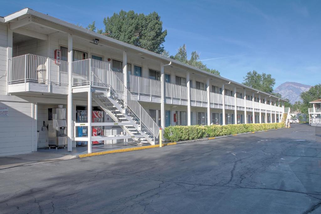 The Motel 6 - Bishop, CA.