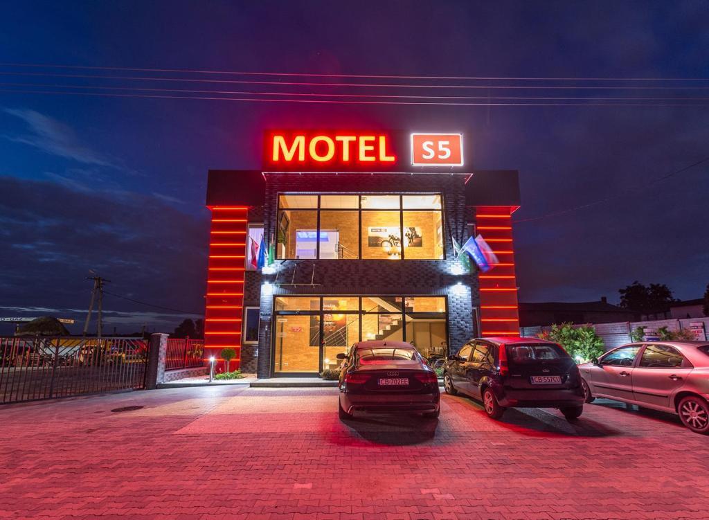 Budynek, w którym mieści się motel
