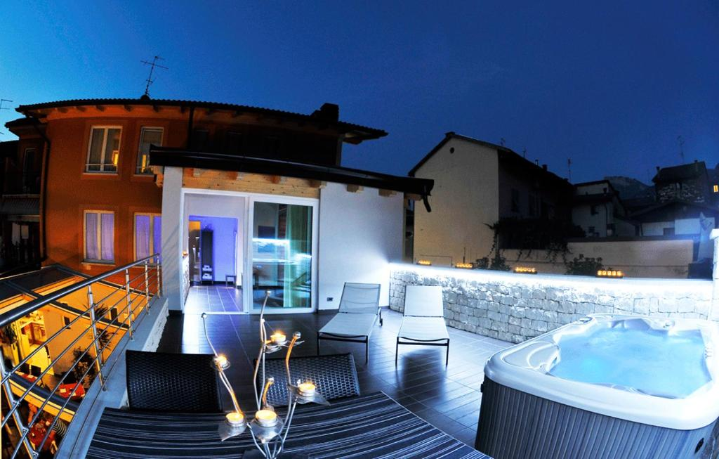 The swimming pool at or close to Albergo Alla Torre