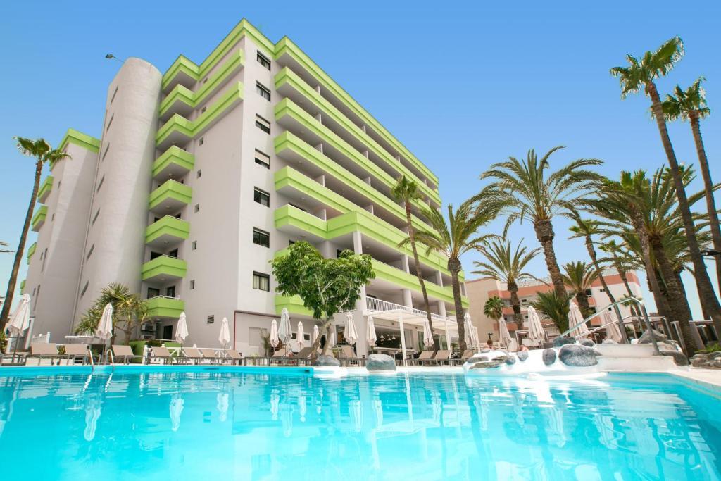 Het zwembad bij of vlak bij Hotel THe Anamar Suites