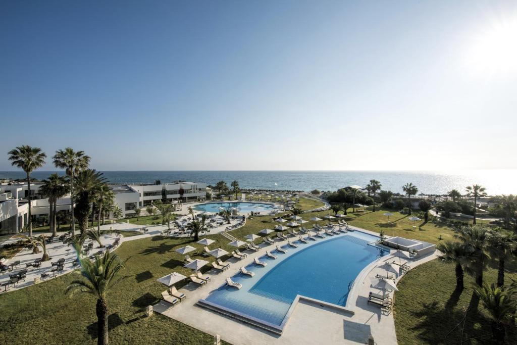 Uitzicht op het zwembad bij Iberostar Selection Diar El Andalus of in de buurt