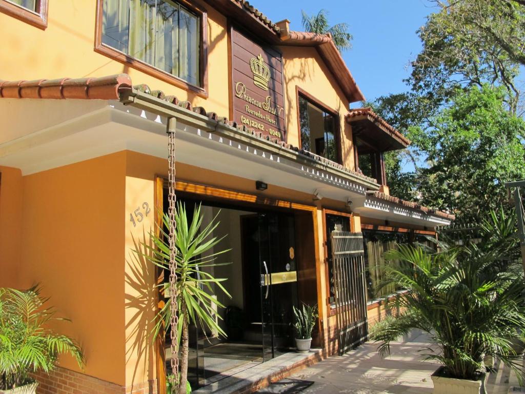 The facade or entrance of Princesa Isabel Pousada e Hotel – Dom Pedro