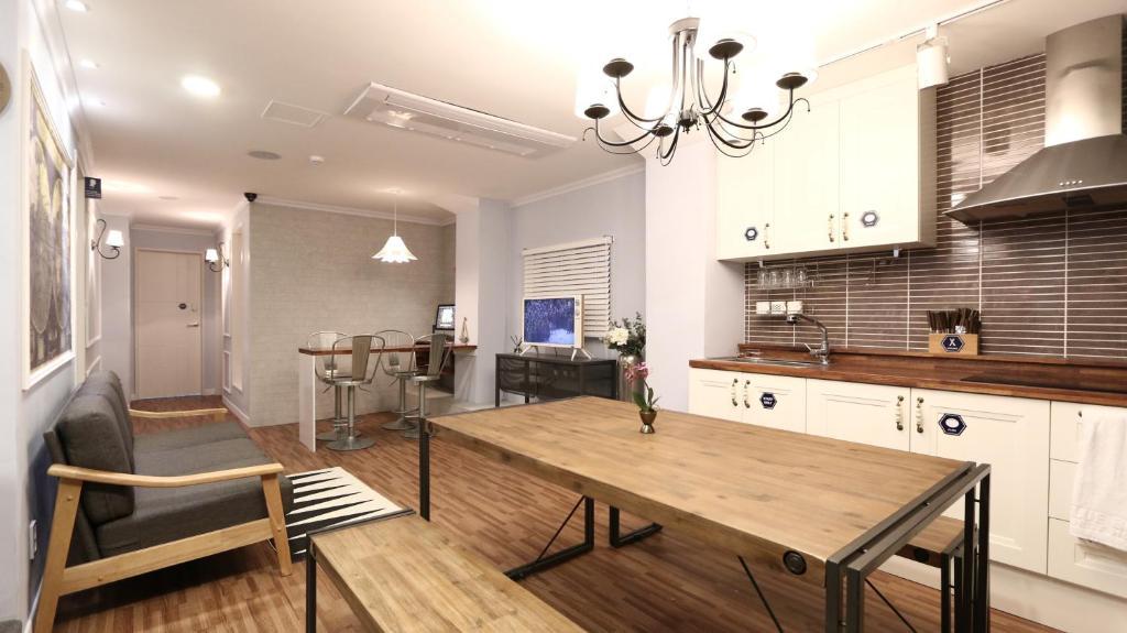 A kitchen or kitchenette at Blue Boat Hostel Myeongdong