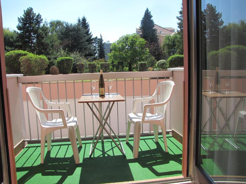 A balcony or terrace at Klipfel Little Venice