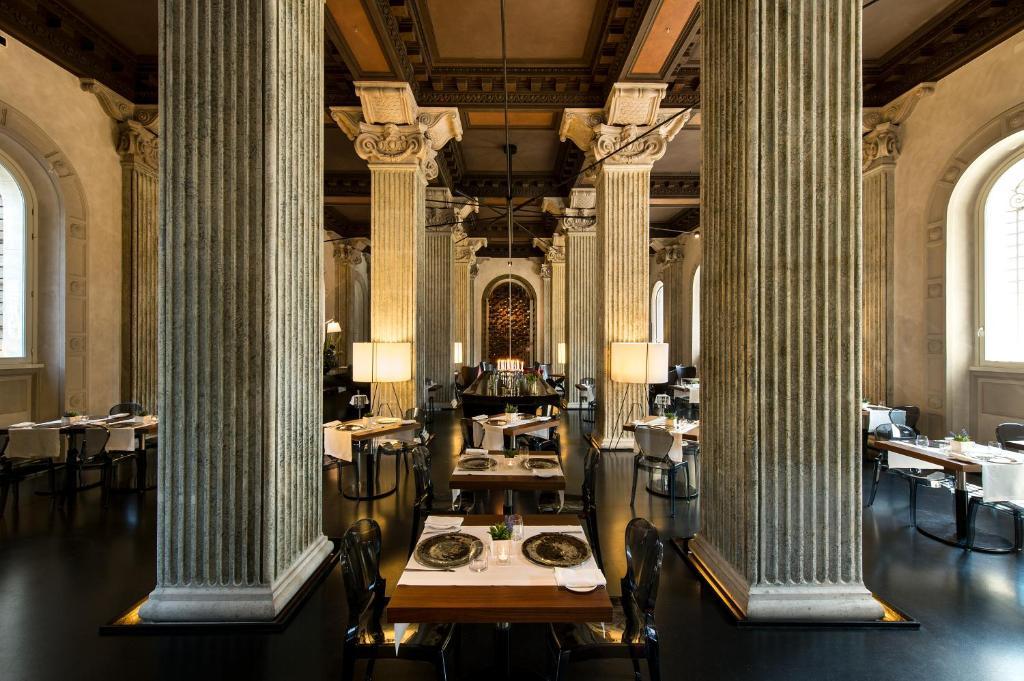 مطعم أو مكان آخر لتناول الطعام في بالاتسو مونتيمارتيني روما، أحد فنادق راديسون كلوكشن